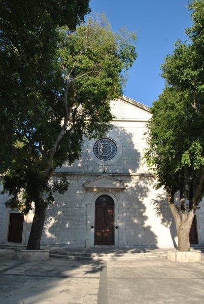 Kościół na wzgórzu